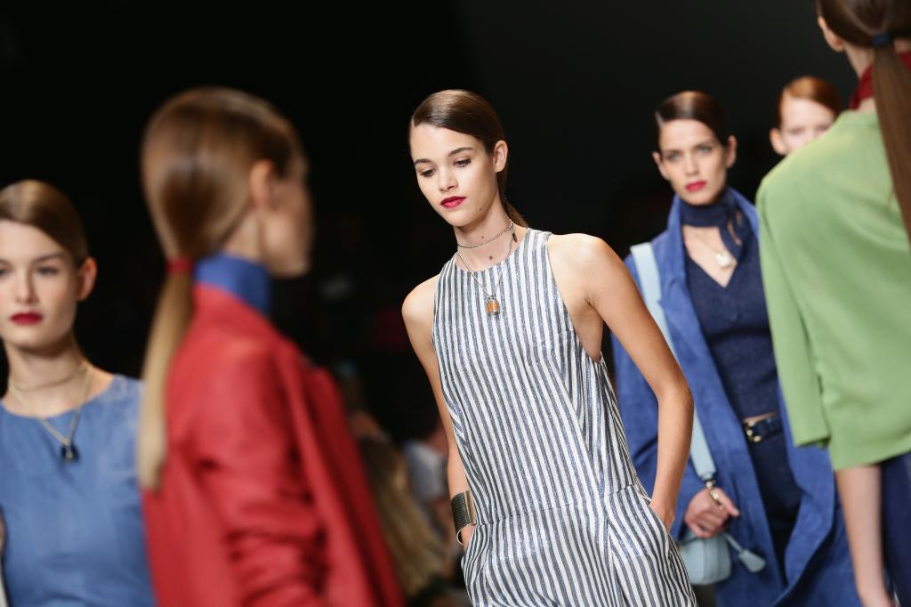 La donna olimpionica di trussardi alla sfilata S/S 2015 alla Milano Fashion Week