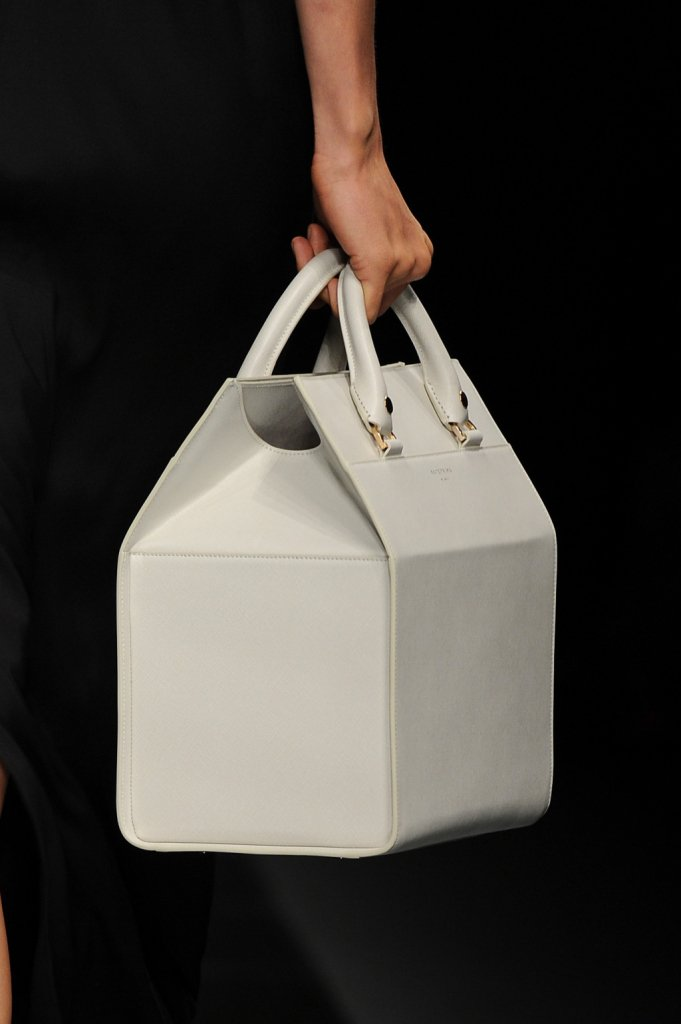 Dettaglio - borsa a mano bauletto / Anteprima ss 2015