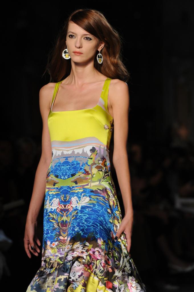 Due giovani designer presentano la loro collezione Leitmotiv in uno dei contesti più ambiti della moda italiana: la Milano Fashion Week