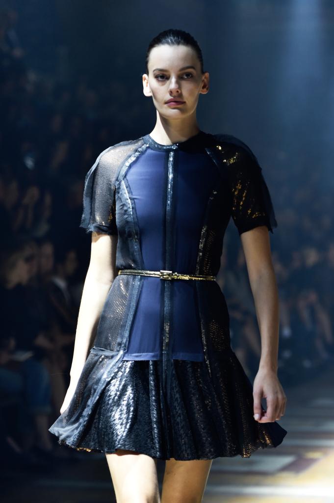 Mini dress con zip, metallo e gonna a pieghe / Lanvin ss 2015