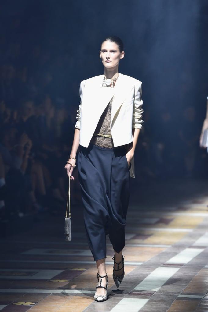Pantaloni neri con blazer bianco / Lanvin ss 2015