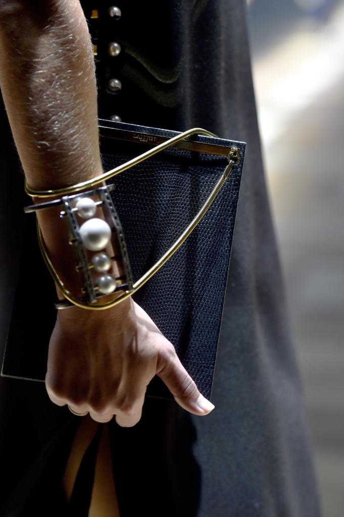 Dettaglio bracciale con perle / Lanvin ss 2015