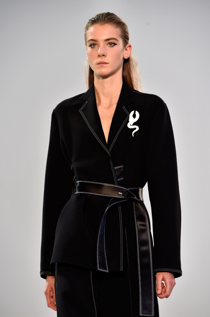 La giacca avvitata e i suoi dettagli - Céline SS 2015