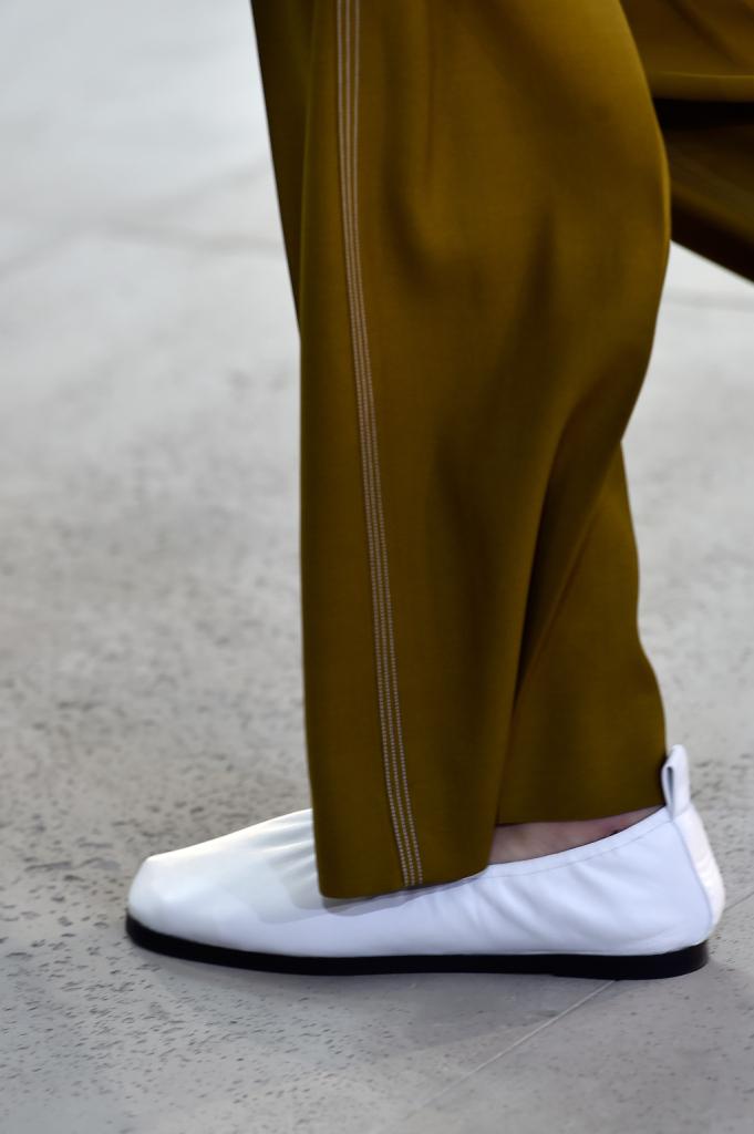 La scelta essenziale sulle scarpe - Céline SS 2015