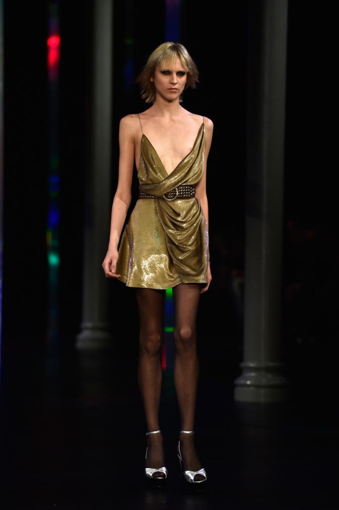 Minidress con spalline sottilissime e drappi / Saint Laurent ss 2015