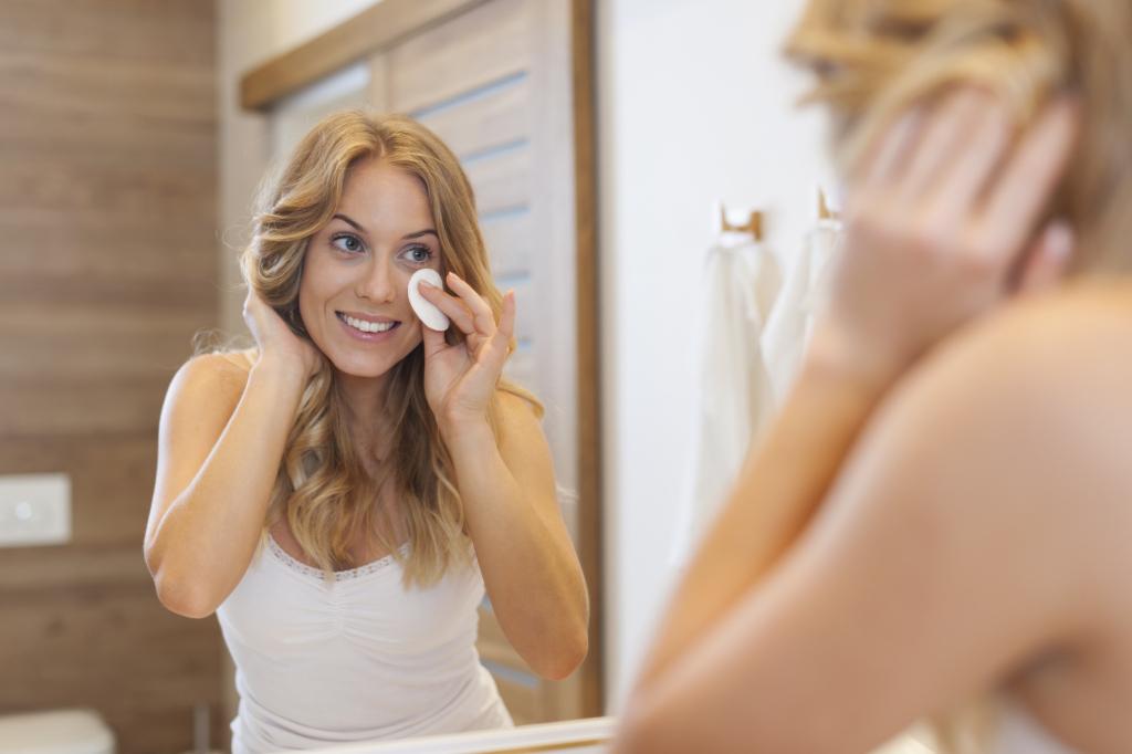 Il tonico è una lozione fondamentale per la pulizia e la cura della pelle: scopri i prodotti top scelti dalla redazione beauty di UnaDonna.it