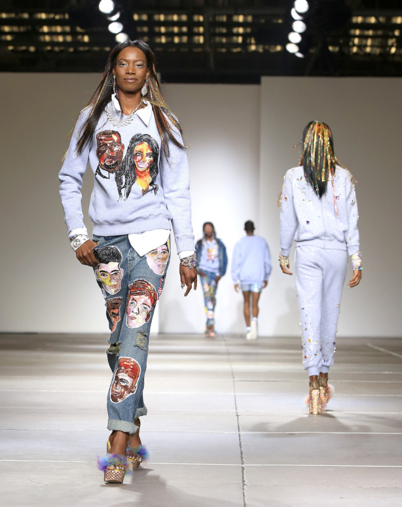 Ashish, LFW, Primavera-estate 2015: jeans e felpa con facce sarcastiche stampate: Kanye West e Kim Kardashian per citarne alcune