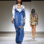 Salopette in jeans oversize con spalline preziose