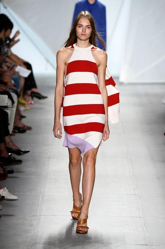 Mini dress a righe, dal tessuto leggero, nella nuance bianca e rossa