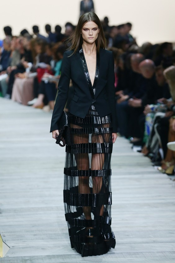 Long dress nero con trasparenze e scollatura proponda