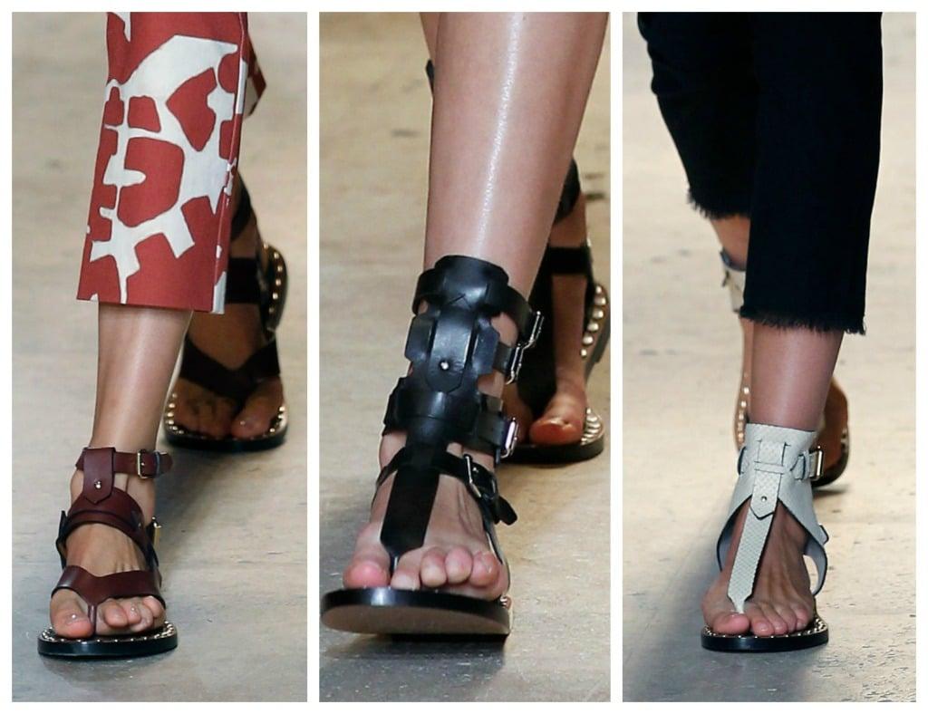 Isabel Marant, PFW, collezione Primavera-Estate 2015: particolare sandali della collezione, in color cuoio, neri o bianchi, sono allacciati alla schiava o decorati alla caviglia con passaggi di fibbie e lacci