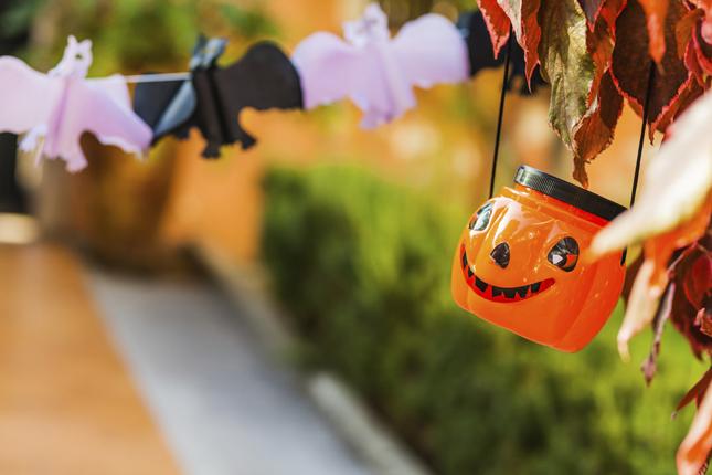 Portacandele a forma di Jack o' Lantern per illuminare il giardino o la terrazza