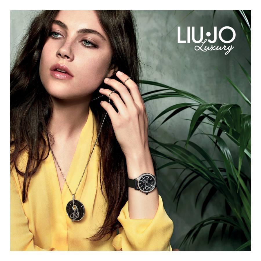 Moda e gioiello si fondono per dare vita ad orologi e bijoux glam, raffinati e sempre in linea con i trend di stagione