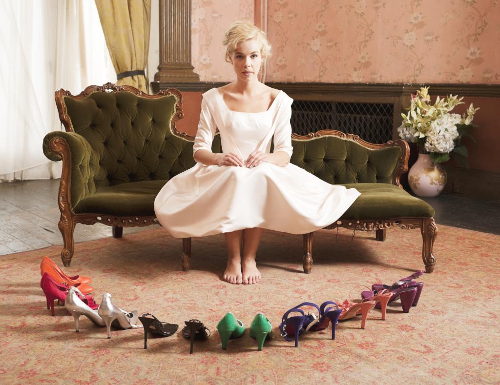 La sposa può indossare scarpe diverse dal bianco il giorno del matrimonio, palette alla mano ecco tutti i colori con cui spezzare la monocromia