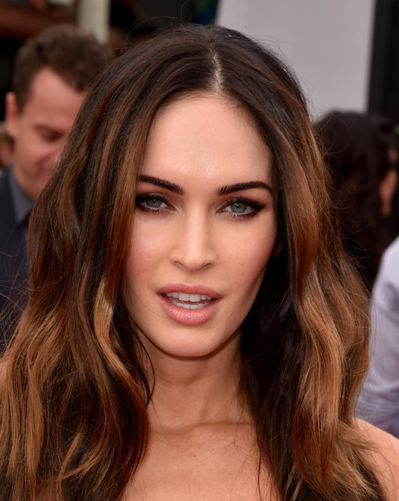 Tanto per le occasioni formali che per la quotidianità, Megan Fox sceglie spesso un make up occhi naturale