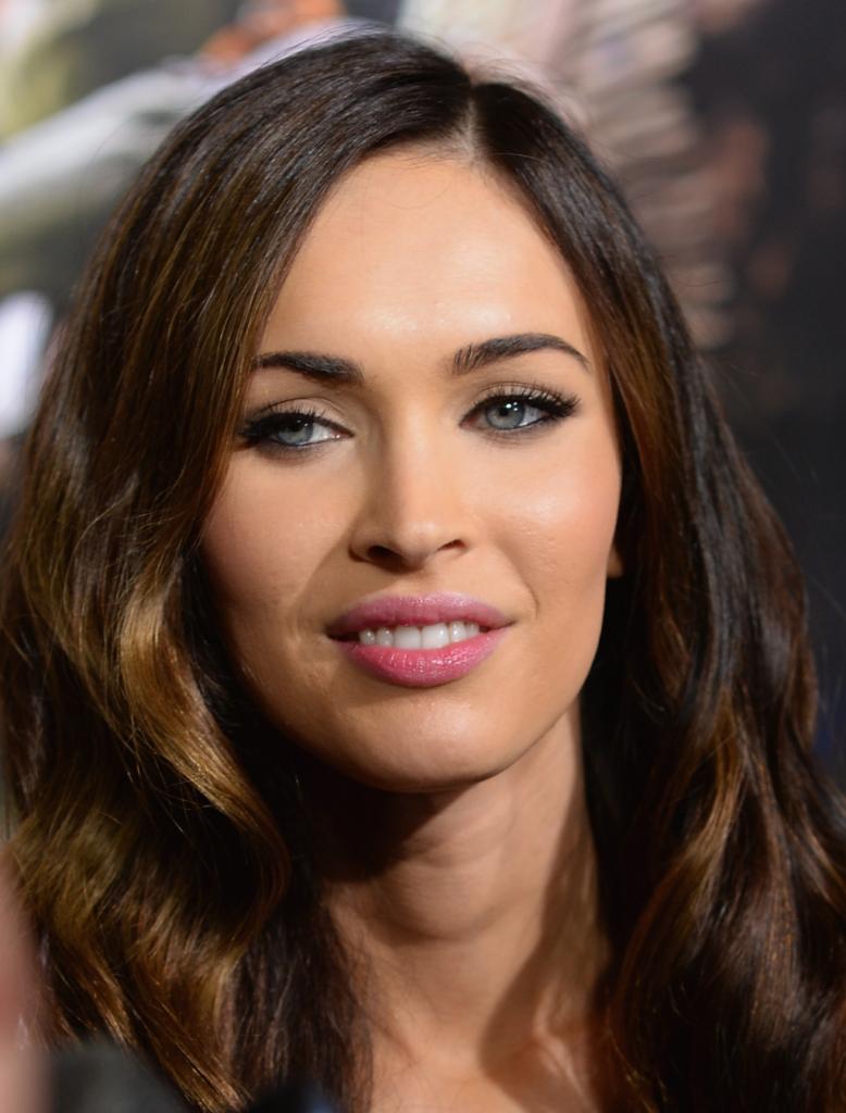 Dal pallore diafano a un colorito abbronzato, Megan Fox è sempre bellissima e seducente