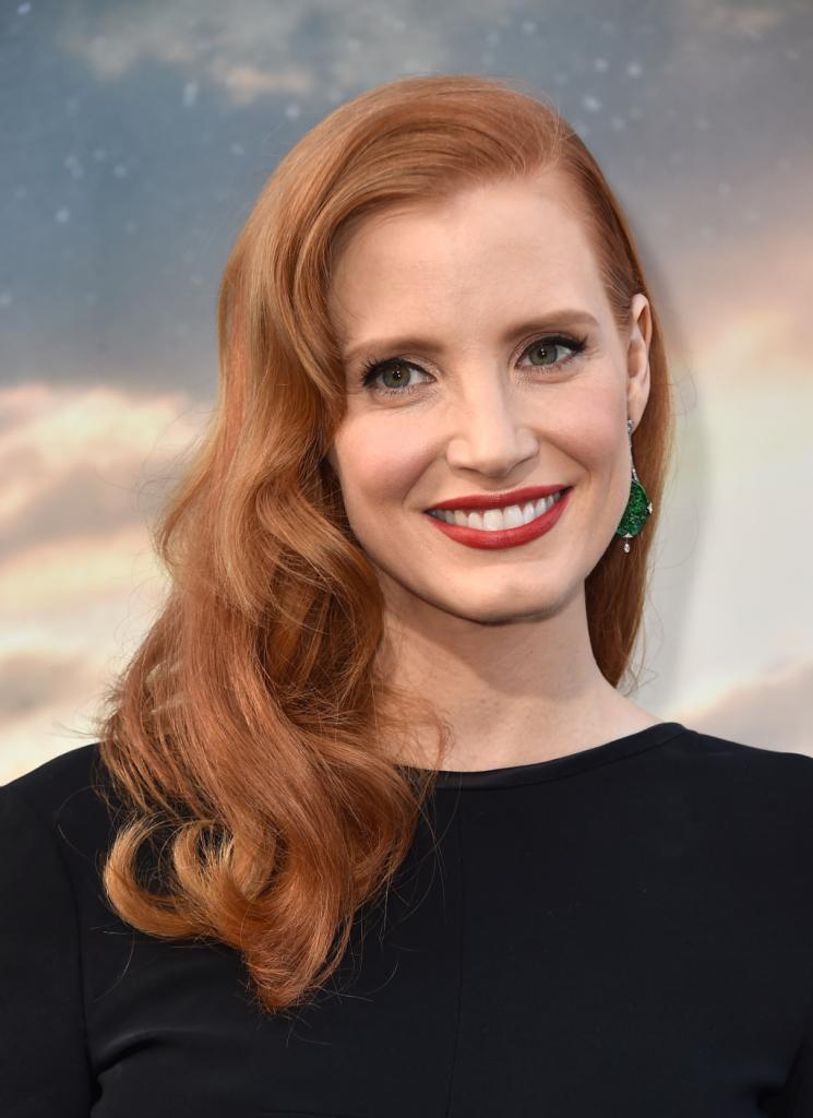 Per avere gli splendidi capelli rossi di Jessica Chastain è necessario prendersene cura con prodotti specifici...
