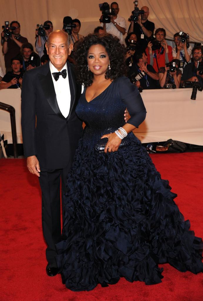 Oscar de la Renta, elegantissimo con la conduttrice Oprah Winfrey