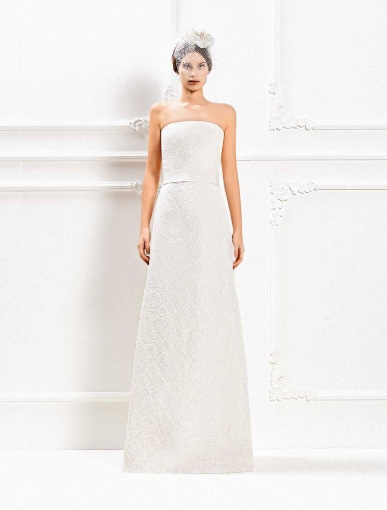 Linee sobrie per Circea l abito della collezione Max Mara Bridal 2014  3a20a273d6c