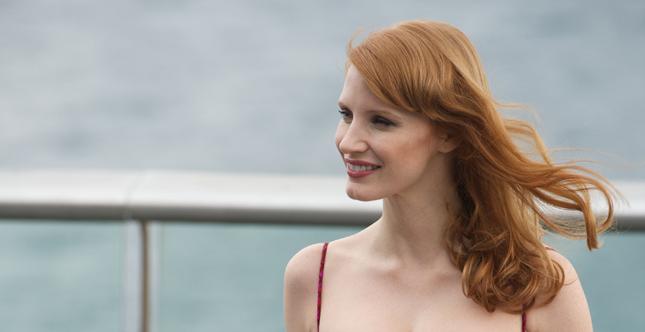 La bellissima attrice Jessica Chastain sfoggia capelli rossi naturali, dalla sofisticata nuance rame