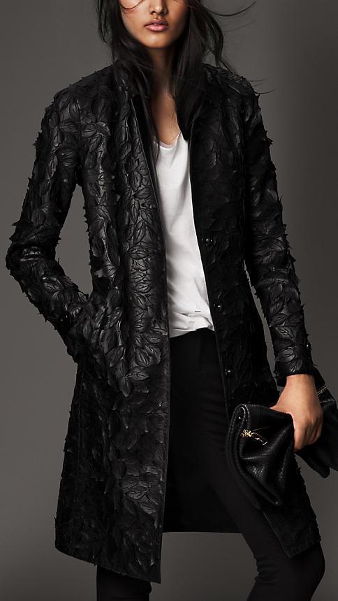 Burberry cappotto in pelle con motivo a foglia