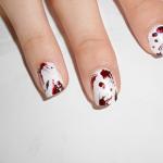 Effetto gocce di sangue su tutte le unghie 2