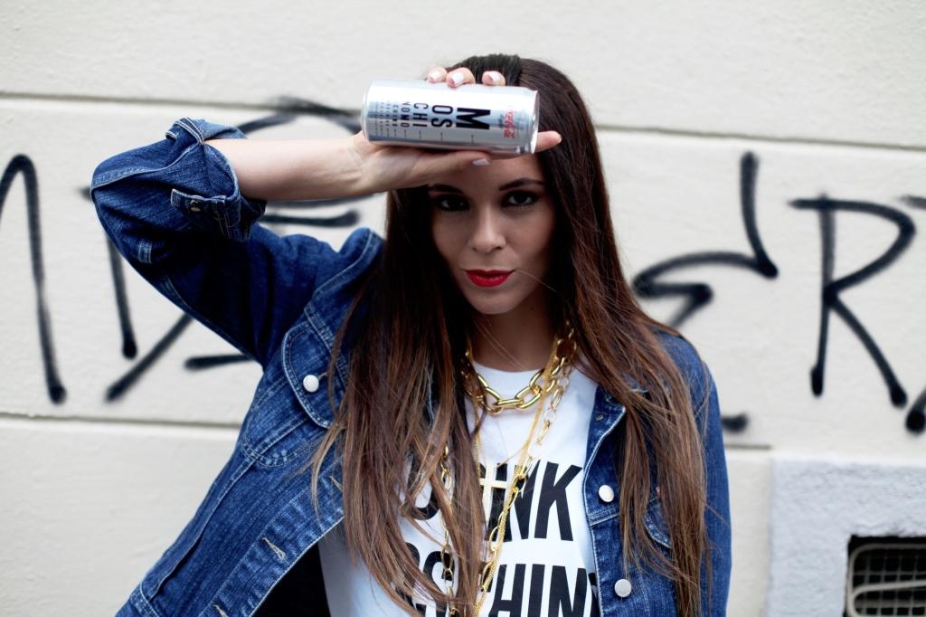Irene Colzi per Moschino e Coca Cola Light