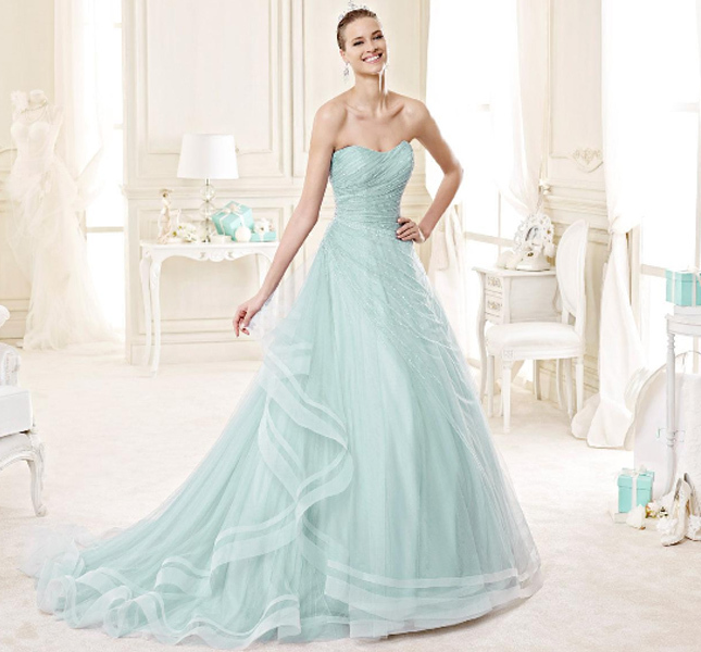 Proposta color cielo per l'abito Nicole Spose.