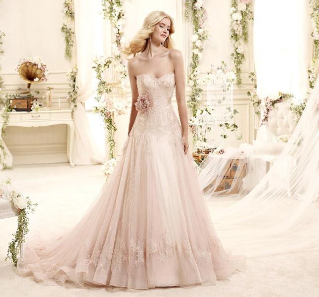 Proposta color cipria per l'abito Nicole Spose collezione 2015.