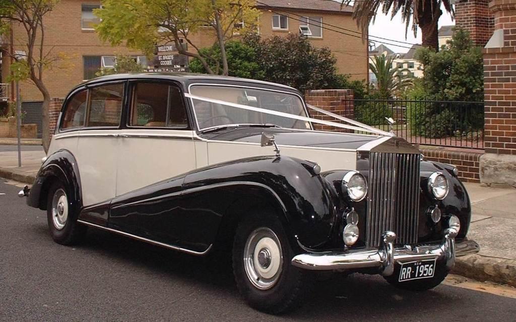 Rolls-Royce utilizzata dal Kate, futura moglie del Principe Williams per arrivare all'Abbazia Westminster