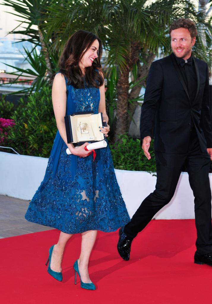 Anche Berenice Bejo sul photocall sfoggia un delizioso paio di Louboutin