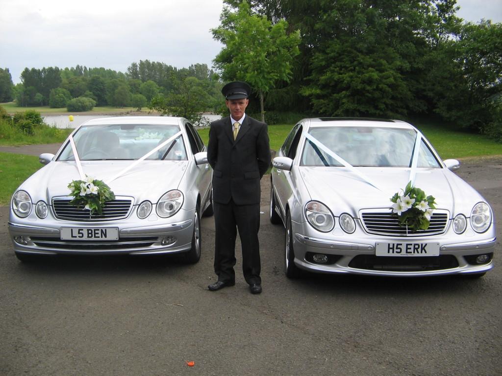due esempi per decorare la proprio auto se la scelta del mezzo è caduto in un'auto moderna
