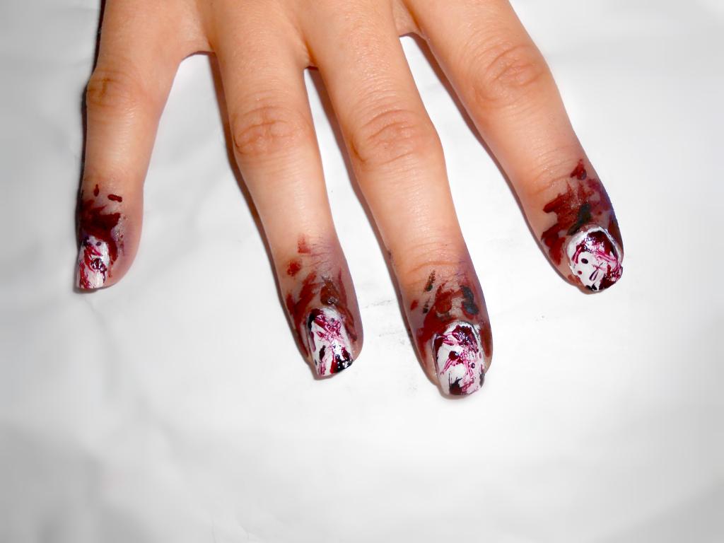 Decorazione aggiuntiva : nail art scenografica