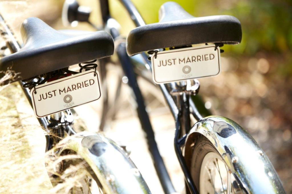 originale mezzo per matrimoni country. da scegliere solo se l'abito della sposa è in linea con lo stile e non ha strati di tulle