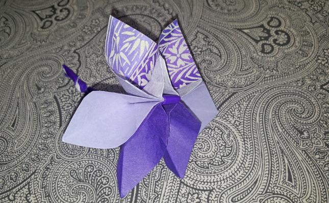 fiore origami di carta