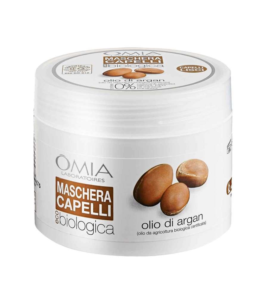 Ideale per chiome secche e sfibrate è la maschera a base di olio di semi di Argan Omia