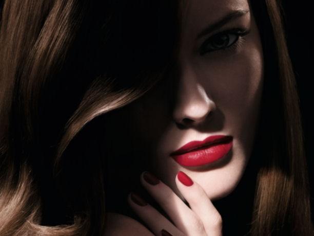 Intensi ed idratanti i rossetti matt garantiscono una lunga durata e un effetto dal finish seducente_in foto Chanel Rouge Allure Velvet