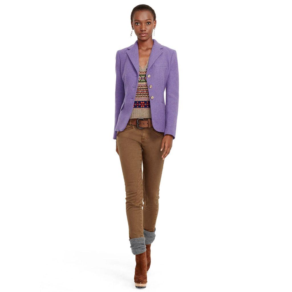 La giacca da cavallerizza diventa super femminile nel color lavanda