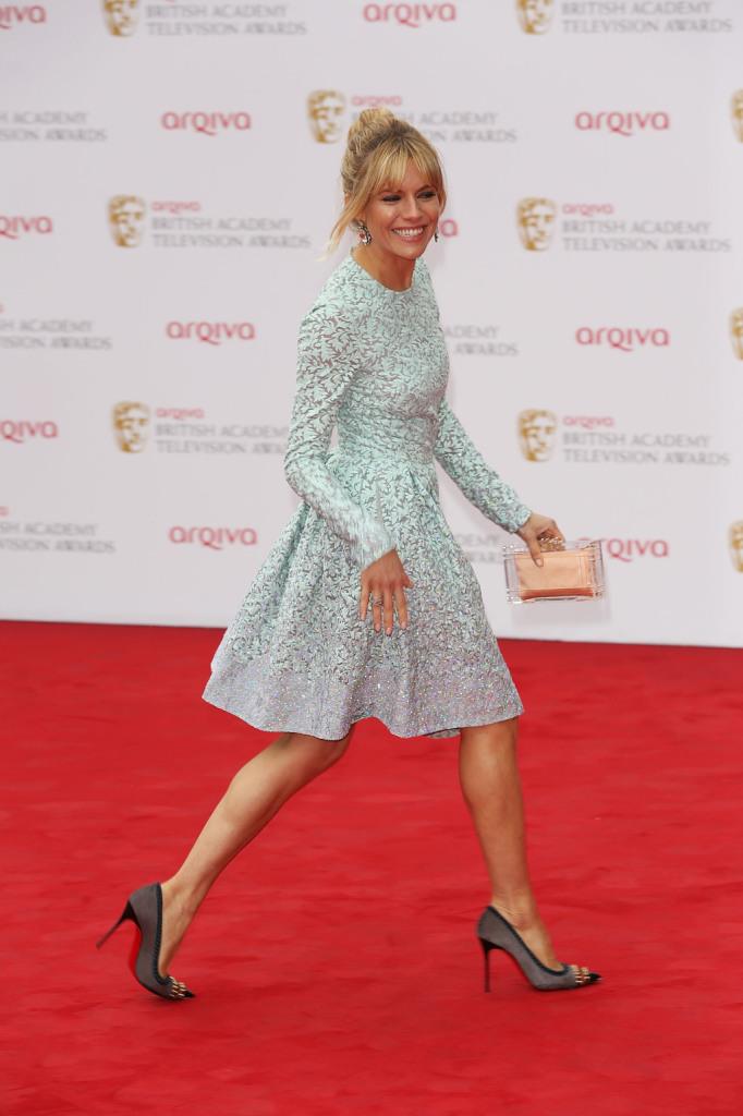Fashion Icon da sempre: Sienna Miller in Louboutin e la falcata da fashionista!