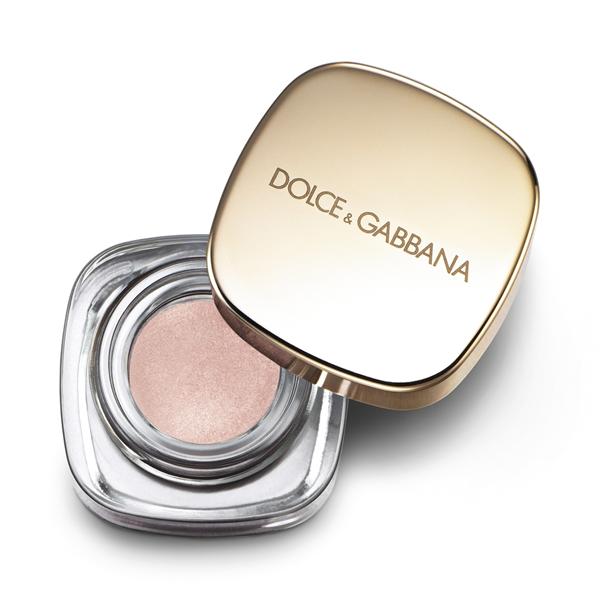 ... scegliendo un ombretto ad alta pigmentazione come Perfet Mono Goldust di Dolce & Gabbana...