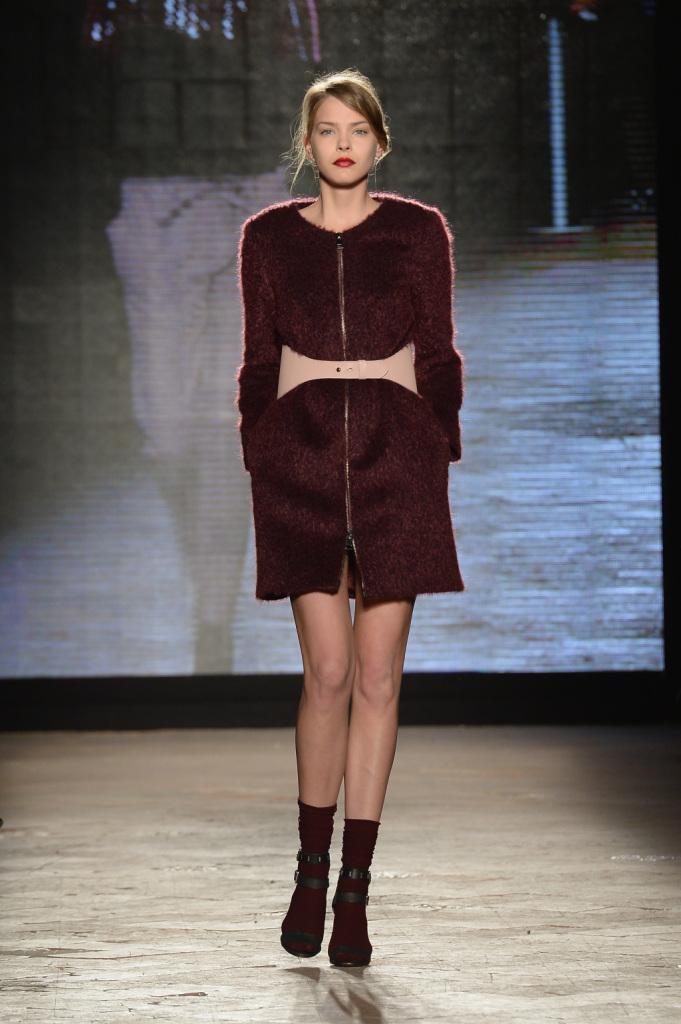 Milano Fashion Week, l'autunno inverno 2014 è bordeaux