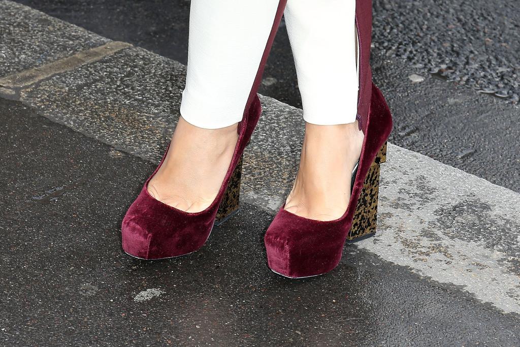 Stella McCartney scarpe bordeaux con zeppa animalier