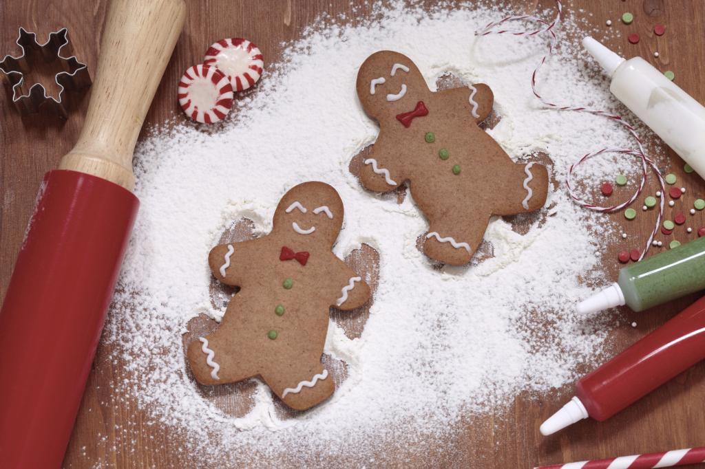 Biscotti Allo Zenzero Di Natale.I Biscotti Allo Zenzero E Cannella Da Appendere All Albero Ricetta