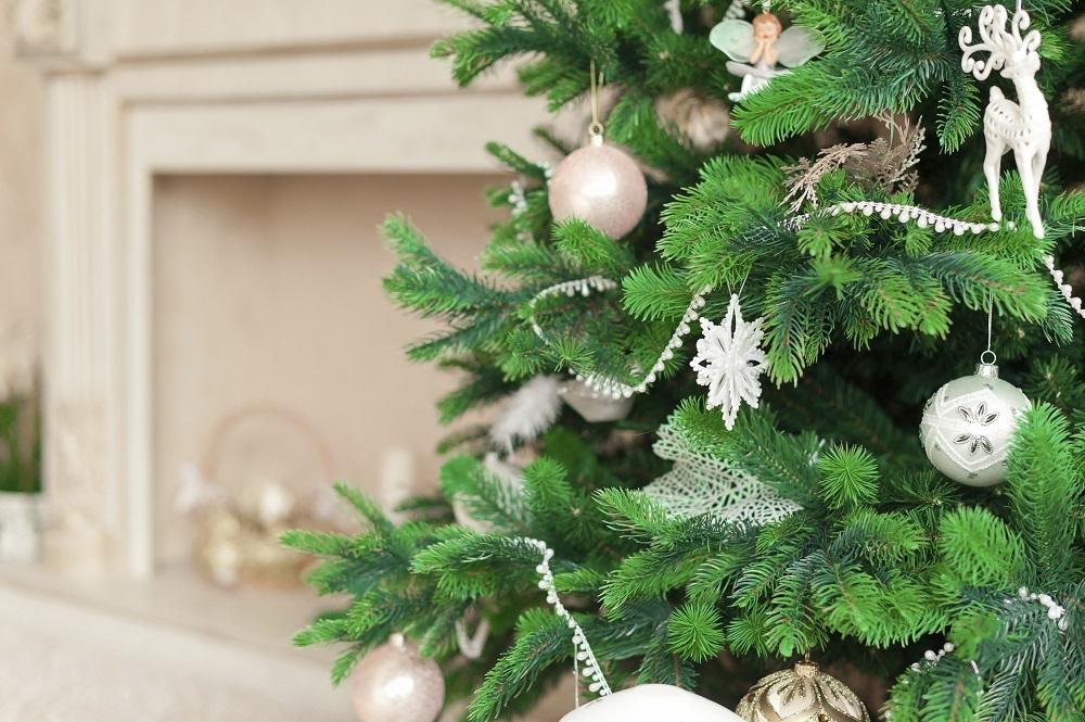 Idee per decorare l albero di natale unadonna - Decorare albero di natale idee ...