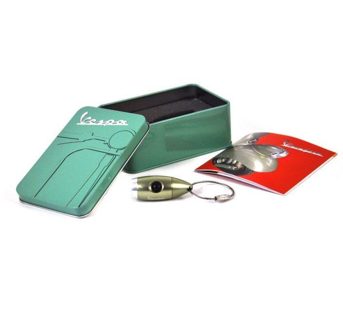 Vespa - Porta chiavi Vintage a forma di fanale della Vespa su Amazon a 16.79 Euro
