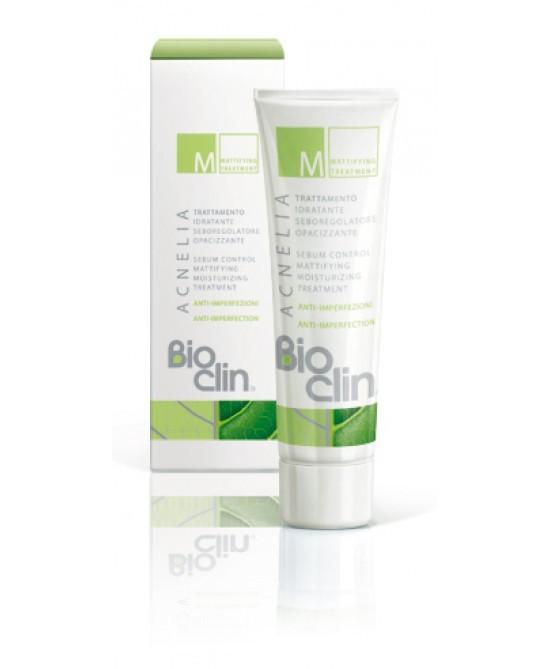 Bioclin Acnelia M uniforma la grana dell'epidermide e riduce l'effetto lucido