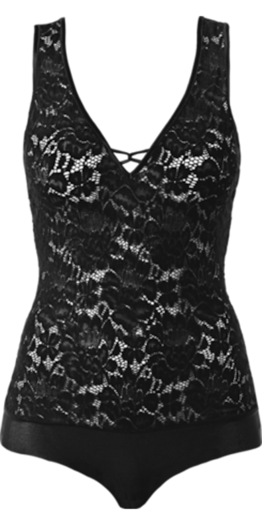 Body Particular Lace, realizzato interamente in pizzo trasparente e con inserto in tulle sul fondo a brasiliano. Lo scollo è a V frontale e sulla schiena. È impreziosito da un intreccio al centro seno. La chiusura è con bottoni a pressione, € 29,90