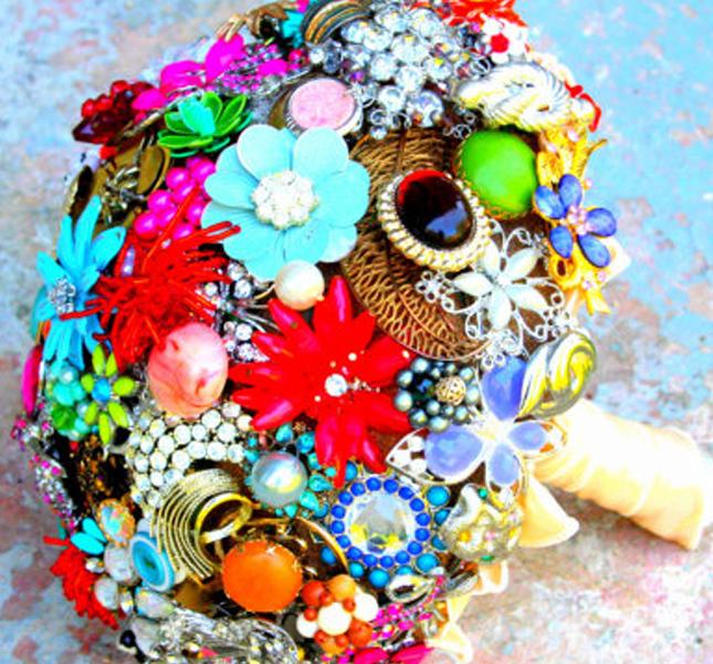 Multicolor il bouquet gioiello di Rusticcreek, via Etsy.