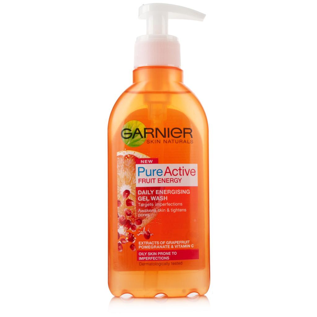 E' un gel purificante energizzante per la pelle mista soggetta a imperfezioni Garnier Pure Active Fruit Energy