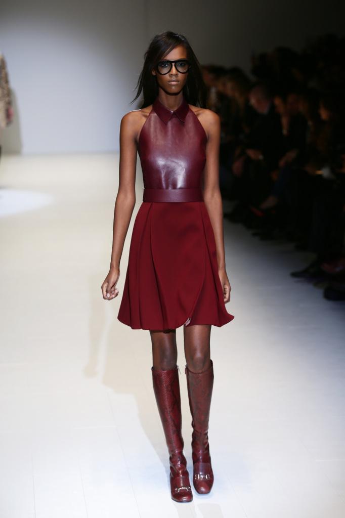 Sfilata Gucci Milan Fashion Week nel segno del bordeaux